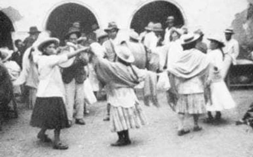 Mochas en una fiesta en Tarija.